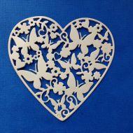 Ажурное сердце с бабочками, вырубка из бежевого картона