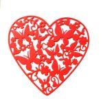 Ажурное сердце с бабочками, вырубка из красного картона