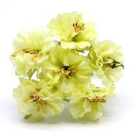 Букетик со светло-жёлтыми цветами