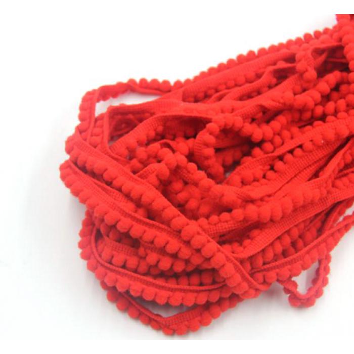 Лента с красными помпонами для скрапбукинга