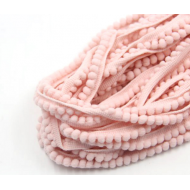 Лента с розовыми помпонами