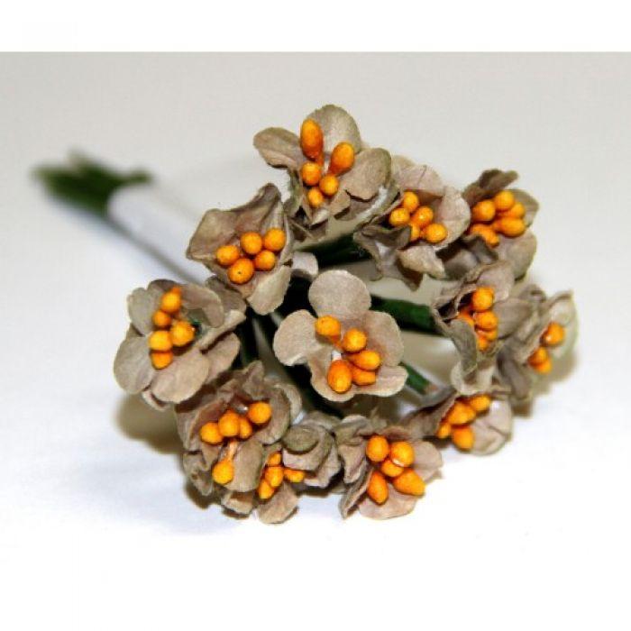 Букетик из тёмно-бежевых цветов для скрапбукинга
