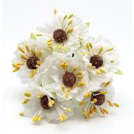Букетик с белыми цветочками 2