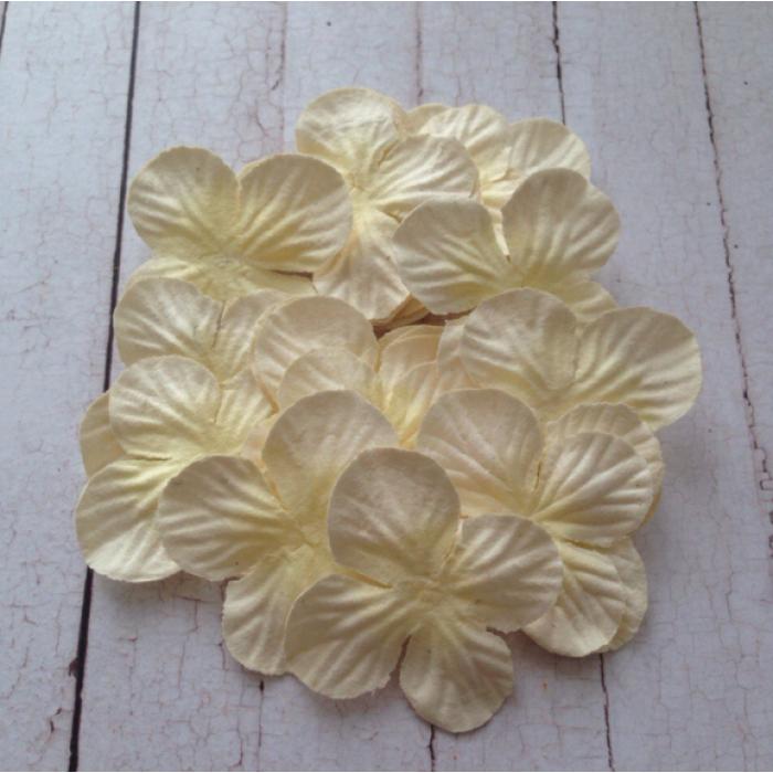 Гортензии бело-кремового 3,5 см для скрапбукинга