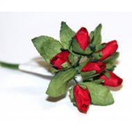 Красные бутоны роз