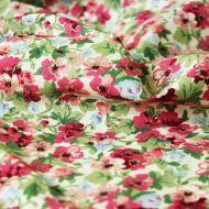 Отрез ткани красные цветочки