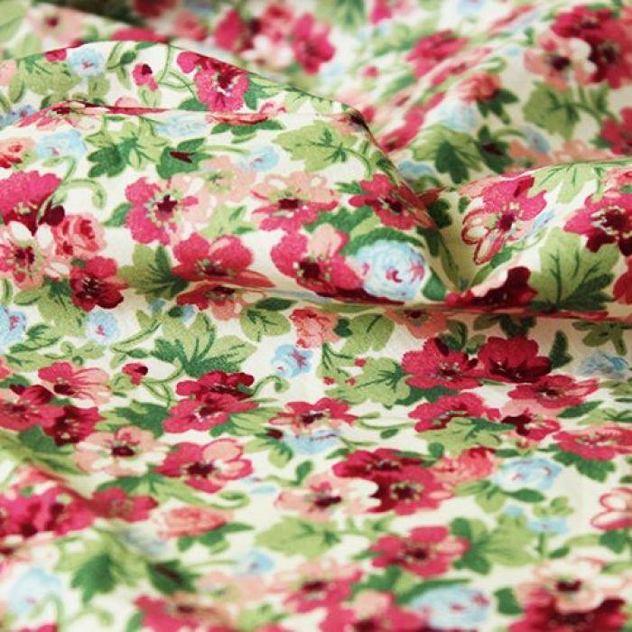 Отрез ткани красные цветочки для скрапбукинга