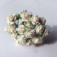 Розы белые 10 мм