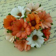 Хризантемы бело-персиково-оранжевые