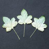 Листья кленовые бело-зеленые, 45 мм