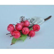 Веточка красных ягод