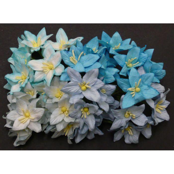 Лилии бело-голубого цвета для скрапбукинга