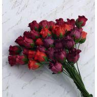 Бутоны роз оттенки красного