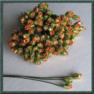Роза с закрытым бутоном, цвет кремово-оранжевый
