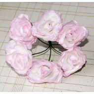 Роза с глиттером, цвет - бело-светло-розовый