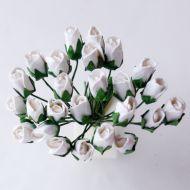 Роза с закрытым бутоном, цвет белый
