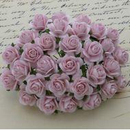 Розы бледно-розовые, 20 мм