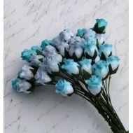 Бутоны роз бело-голубые