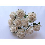 Розы цвета слоновой кости, 25 мм