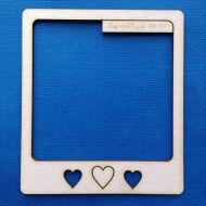 Полароидная рамка с сердечками